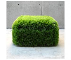 complementi seduta Grass Ottoman di GH Design originariamente creato da Nancy Favier per la piscina del Menlo Park California e costituito in plastica resistente