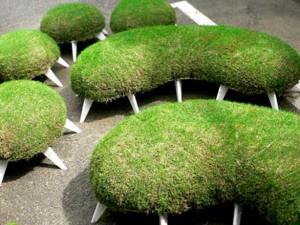 design sedute ricoperte dì erba dello studio giapponese Mindscapes
