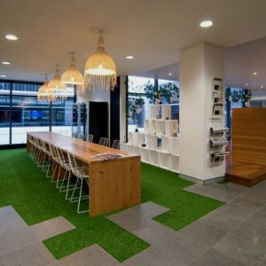 tappeto Beautiful-green-grass-carpet-in-the-interior-e1336396086532