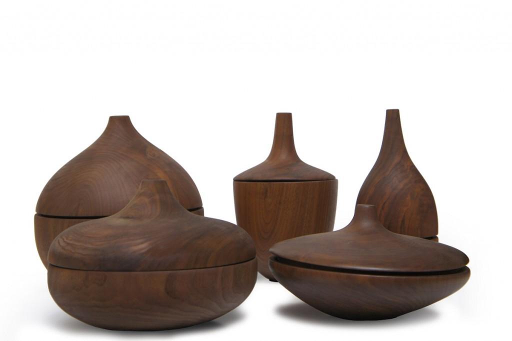 ghiande serie by luca sacchetti in legno massello di castagno