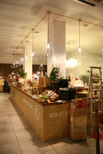 pub temporary restaurant a San Martino Buonalbergosono degli architetti veneziani di Labìt Architetti Associati