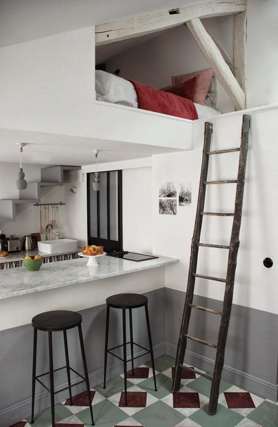 fascione battiscopa altoMini-appartamento-Parigi-cucina