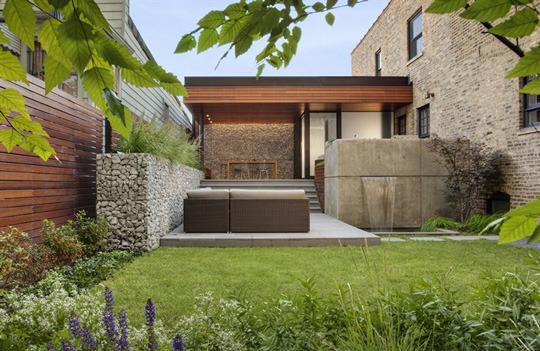Costruire con i gabbioni metallici pieni di pietre - Giardino moderno design ...