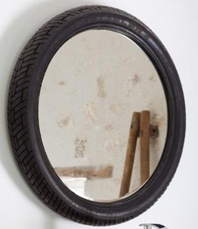 immagine specchio ruota di bici
