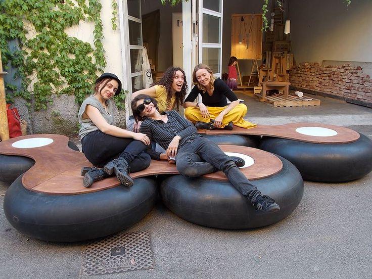seduta per esterni presenta all'edizione 2014 del Fuori Salone, realizzata recuperando vecchie camere d'aria da trattore in collaboraz con micreo