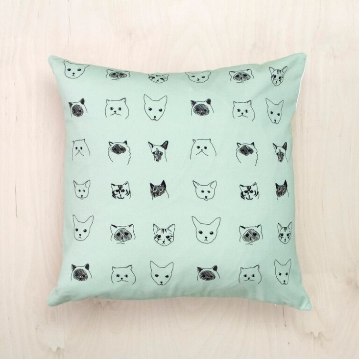 Baines-&-Fricker-cat-cushion-Remodelista-733×733