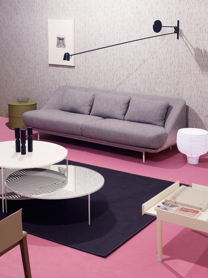 pavimento-rosa-cipria-parete-grigia