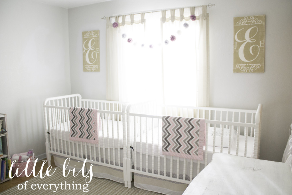 doppia Elliot-and-Emerson's-Twin-Girl-Nursery