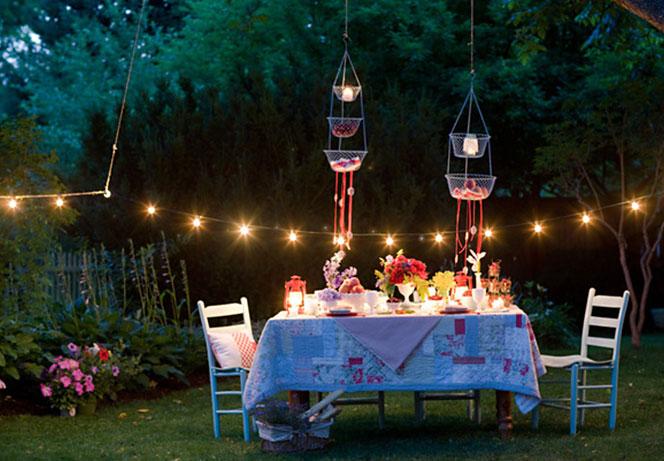 lucine idee-per-decorare-il-giardino-per-una-festa