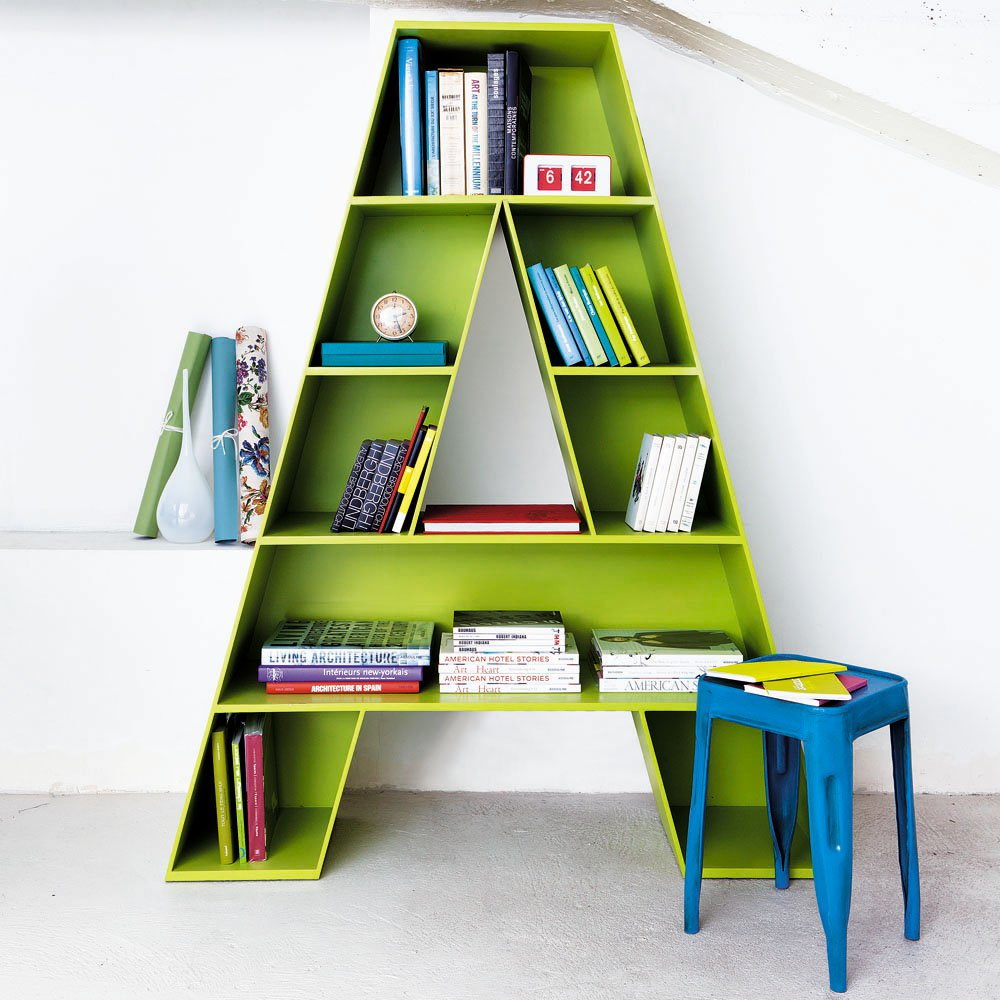 arredi bright-colourful-a-bookcase-children-bedroom