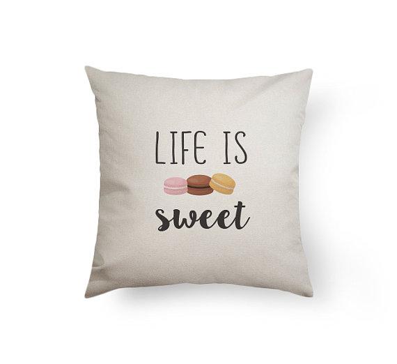 cuscino mystatement 14.45 federa la vita è dolce macaron pillow su etsy