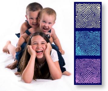 parete impronte famille-empreinte www.helys.fr quadro con impronta di 3 persone a 299.00€