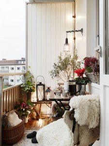 53-Mindblowingly-Beautiful-Balcony-Decorating-Ideas-to-Start-Right-Away-homesthetics.net-decor-ideas-4