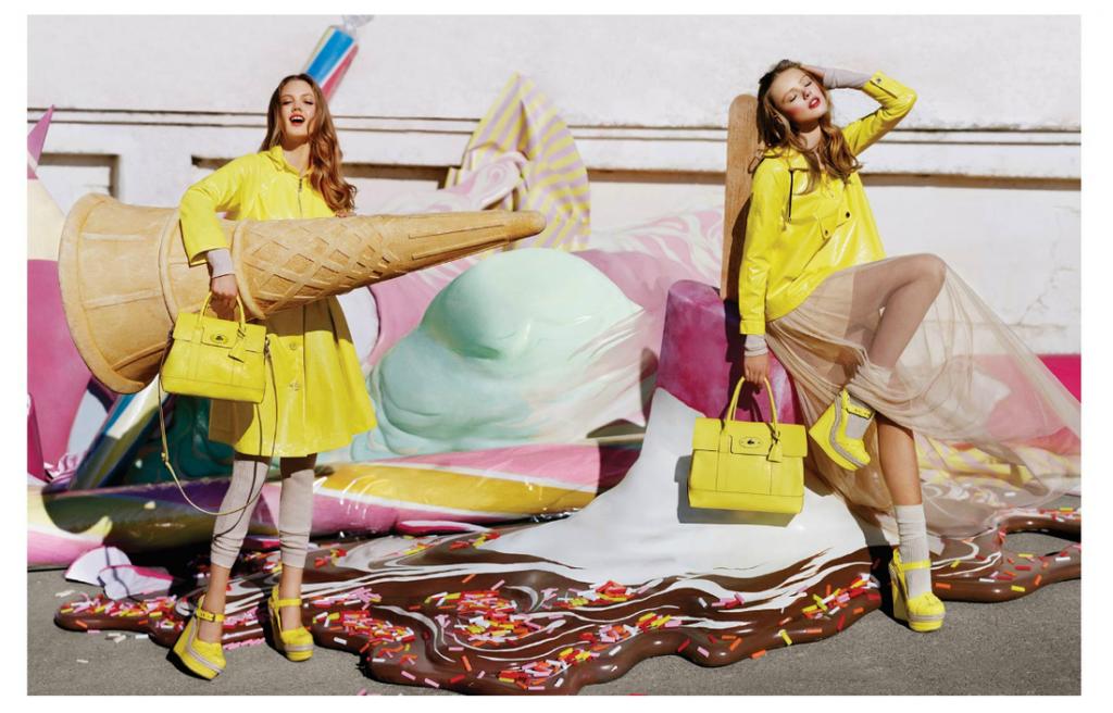 Coloratissima campagna pubblicitaria di Mulberry realizzata per la primavera estate del 2012.