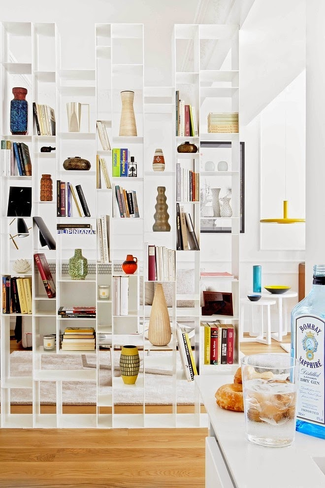 fisso divisorio attrezzato libreria san-sebastian-apartment-mikel-irastorza