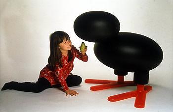 gallina seduta deign anatroccolo sedia-per-bambini-design-di-eero-aarnio-per adelta