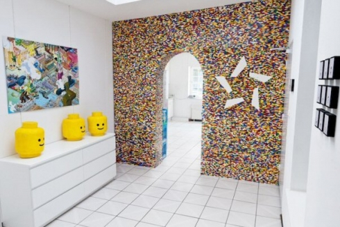 parete design Second Life di Nobilis è un tappeto patchwork 100% lana realizzato a mano grazie all'assemblaggio di pezzi di vecchi tappeti