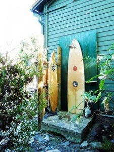 arr surfs-outdoor-shower