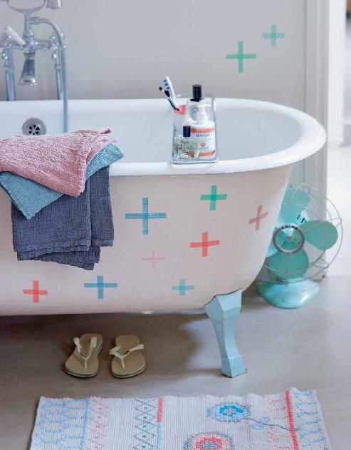 """arred restyling disegni geometrici sulla vasca da bagno o sulla parete per dare il """"colpo di grazia"""""""