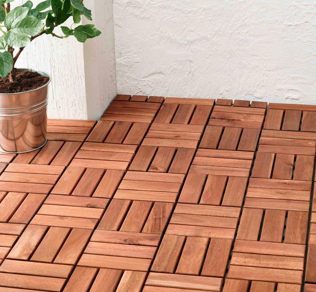 esterni quadrotti legno adatta rinnovare terrazzo e balcone la pedana Runnen di Ikea In acacia massiccia è semplice da solleva