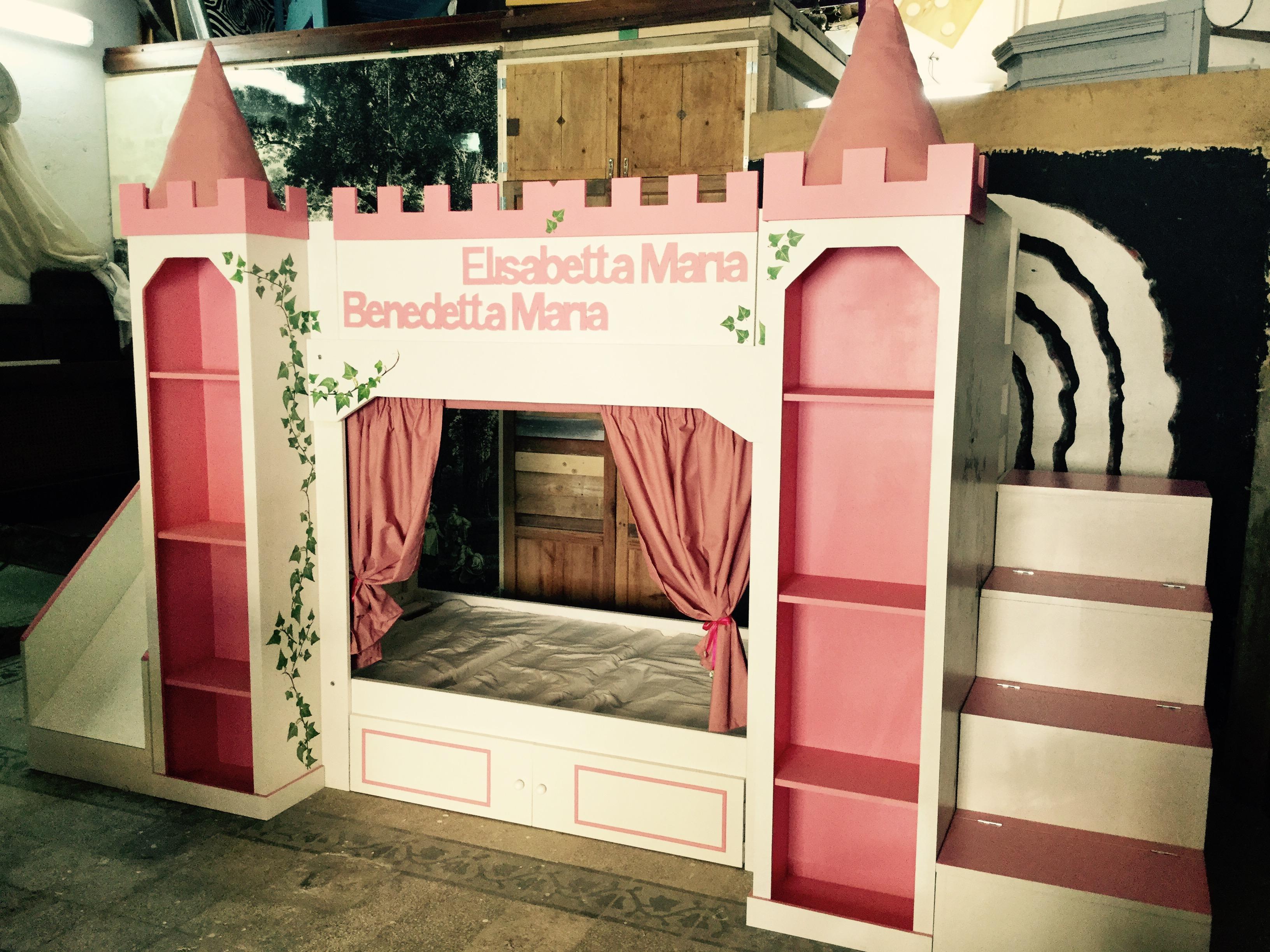 Costruire Un Letto A Castello Fai Da Te : Cameretta magica il letto delle principesse architettura e
