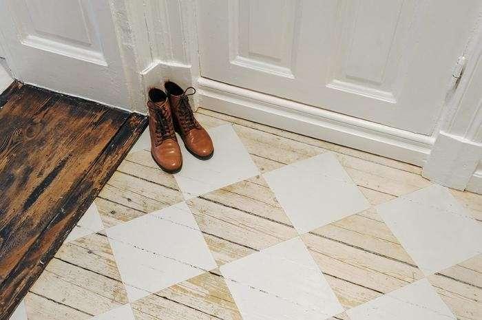 parquet stencil-per-decorare-il-pavimento-di-bianco (1)