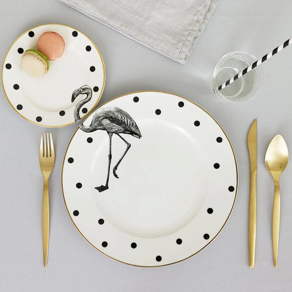 tavola bellissimo il set di piatti di yvonneellen che trovate su etsy