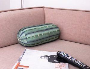 design-realizzaro-in-spandex-traspirante-riempito-di-micro-perline-di-polistirolo-prende-una-forma-ergonomica-molto-confortevole-in-vendita-su-ilpentolino