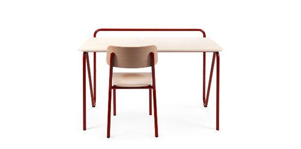 design banco Declerq è un marchio belga iconico che si occupa di decenni di arredare scuole e ambienti pubblici con elementi realizzati in tubi di ferro. disponibili in due misure vero design