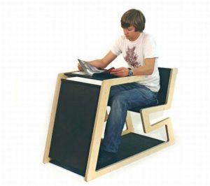 design banco Ecobank di Marius Goetze tavolo, banco e leggio per presentare i propri lavori2 (1)