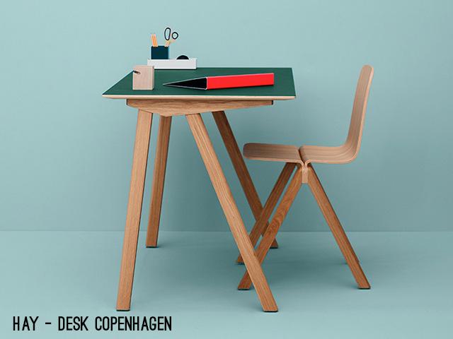 design banco Questo desk di Hay si chiama Copenhagen. Il colore verde bosco del piano è ispirato ai vecchi banchi di