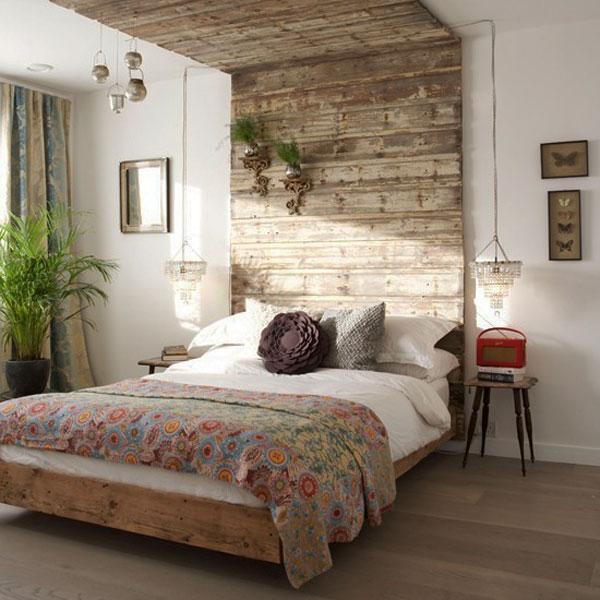 pallet-o-assi-di-recupero-legno-35-idee-di-testiere-per-migliorare-il-design-della-camera-da-letto25