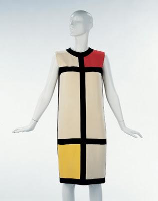 dsign-famoso-abito-di-yves-saint-lauren-mondrian-del-1965-residente-a-victoria-and-albert-museum