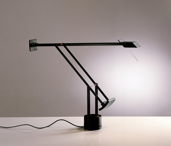 tizio-di-artemide-del-1972-design-richard-sapper