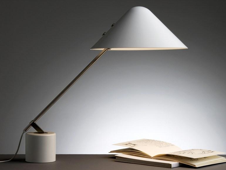 zzlampada-da-tavolo-in-alluminio-a-luce-diretta-carl-hansen-son-collezione-vip