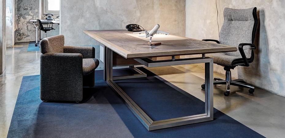 vara-e-un-rigoroso-progetto-di-leggerezza-che-realizza-una-sintesi-suggestiva-di-forma-e-funzione-le-strutture-di-sostegno-sono-eleganti-gambe-ad-l-in-alluminio