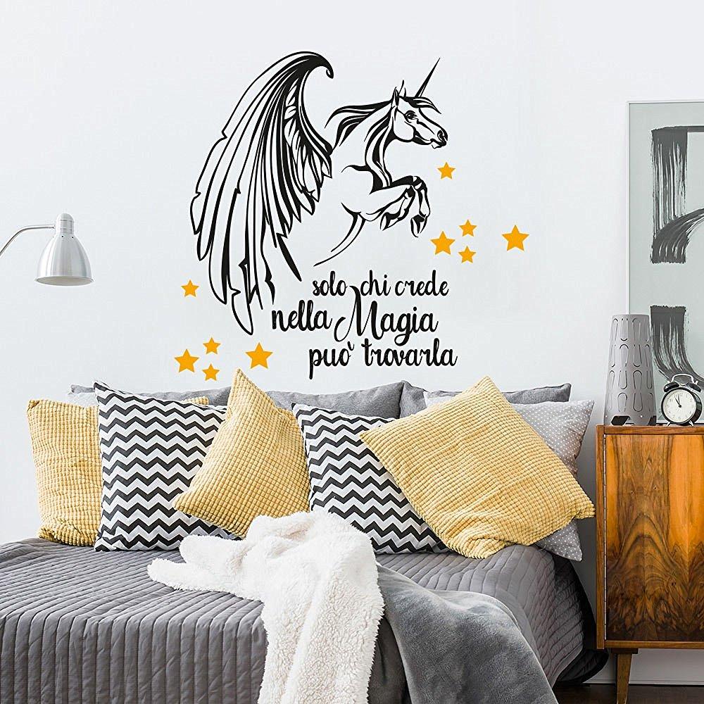 amazon-01353-adesivo-murale-wall-art-aforisma-unicorno-solo-chi-crede-misure-60x74-cm-nero-e-giallo-scuro-decorazione-parete-adesivi-per-muro-carta-da-parati