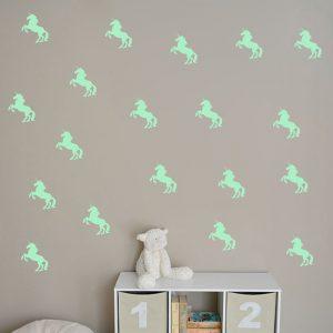 amazon-ufengke-16-pezzi-unicorno-adesivi-murali-fluorescenza-bagliore-nel-buio-camera-da-letto-soggiorno-adesivi-da-parete-removibili-stickers-murali-decorazione-murale2