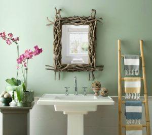 orchid-bagno-arredato-con-legno-di-bambu-e-piante