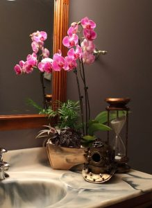 orchid-vintage-inspired-bathroom-orchids