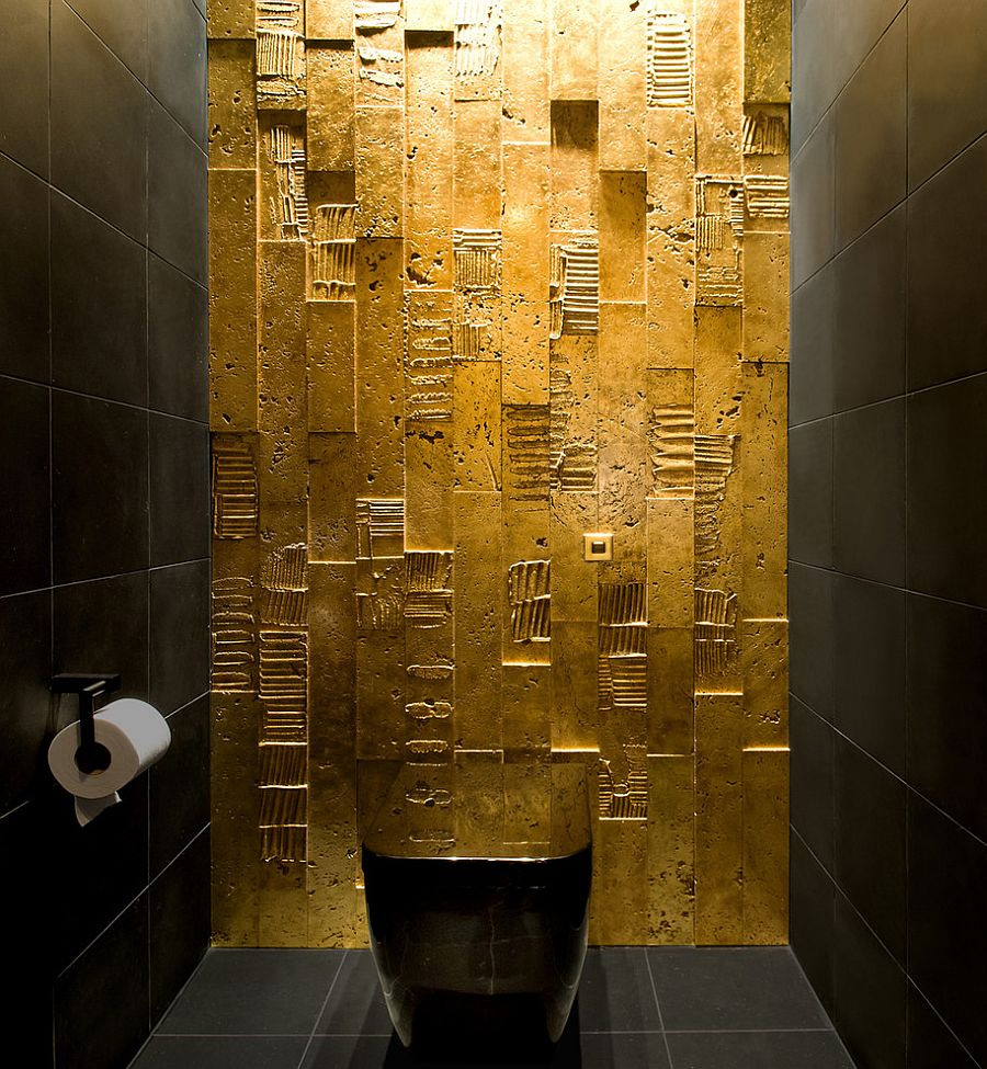 parete-all-you-need-is-some-gold-paint-to-create-magic-in-the-dark-bathroom