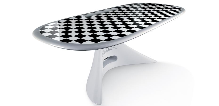 scrivania-zero-di-karim-rashid-oper-della-rovere-realizzata-completamente-in-vetroresina