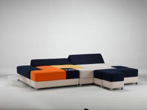 divano modulare componibile creato da Stefano Grasselli e dal nome inequivocabile Tetris