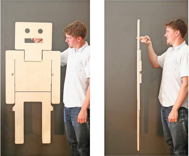 robot Il RoboChair da Brad Benke è una sedia pieghevole che funziona anche come arte della parete decorativa prototipo