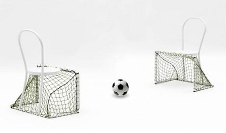 sport calcio Una sedia per giocare a calcio Si, Lazy Football di Emanuele Magini