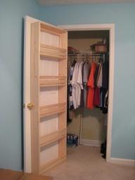 cabina armadio con scarpiera integrata nella porta