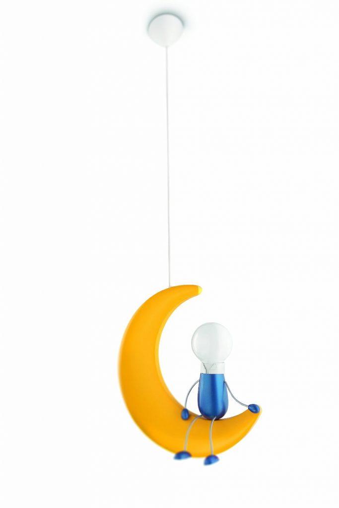 Un arredamento di design…spazziale! - image amazon-75.00-Philips-Lunardo-Lampada-a-Sospensione-Bambino-Luna-con-Omino-683x1024 on http://www.designedoo.it