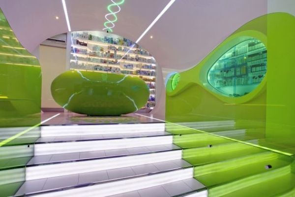 Un arredamento di design…spazziale! - image navicella-architettura-Cosmic-Pharmacy-by-Karim-Rashid-a-belgrado-2 on http://www.designedoo.it
