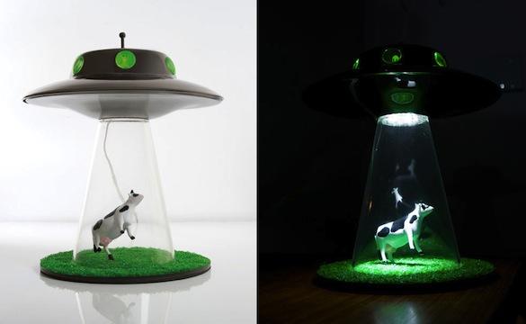 Un arredamento di design…spazziale! - image navicella-lampada-rapimento-alieno on http://www.designedoo.it
