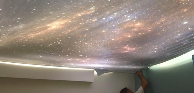 Un arredamento di design…spazziale! - image stelle-soffito-teo-stampato-di-www.tensocielo.com1_ on http://www.designedoo.it